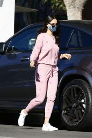 Eiza Gonzalez Out for Coffee in Los Angeles 12/05/2020 4