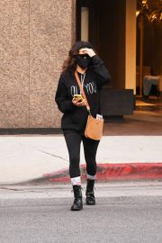 Eva Longoria seen Black Outfit and Wearing a Mask Out in Los Angeles 11/23/2020 9