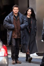 Hailee Steinfeld and Jeremy Renner on the Set of Hawkeye in New York 12/06/2020 1