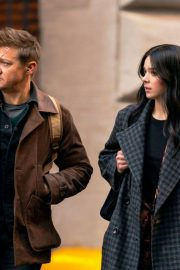 Hailee Steinfeld and Jeremy Renner on the Set of Hawkeye in New York 12/06/2020 4