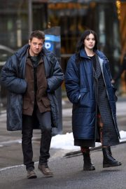 Hailee Steinfeld and Jeremy Renner on the Set of Hawkeye in New York 12/06/2020 9