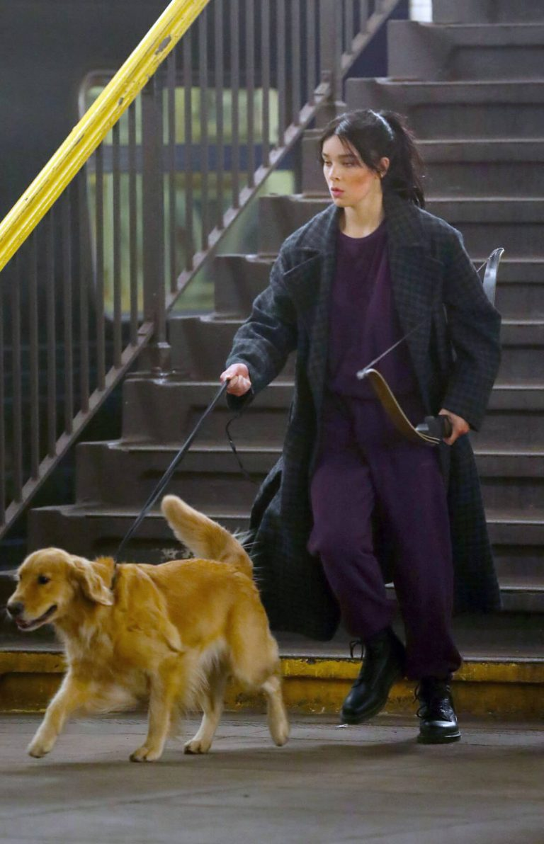 Hailee Steinfeld with dog on the Set of Hawkeye in New York 12/02/2020 6
