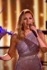 Helene Fischer Performs at A Heart for Children's Gala 12/05/2020 2