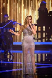 Helene Fischer Performs at A Heart for Children's Gala 12/05/2020 4