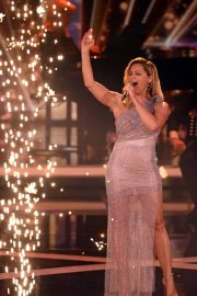 Helene Fischer Performs at A Heart for Children's Gala 12/05/2020 8