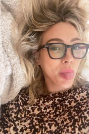 Hilary Duff Selfie Pictures - Instagram Photos 12/04/2020 1