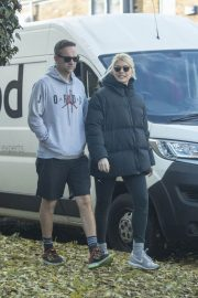 Holly Willoughby with Her Husband Daniel Baldwin Out and About in London 11/10/2020 1