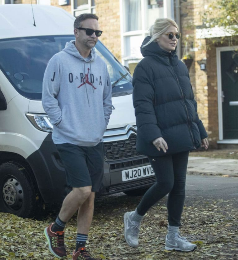Holly Willoughby with Her Husband Daniel Baldwin Out and About in London 11/10/2020 6
