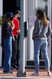 Jennifer Garner Out and About in Brentwood 11/22/2020 2