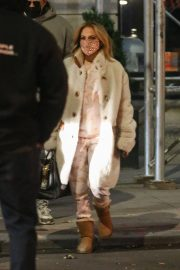 Jennifer Lopez Out and About in New York 11/24/2020 4