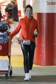 Jessica Alba in Red High Neck Sweater Out for Christmas Shopping at Target in Hollywood 12/04/2020 6