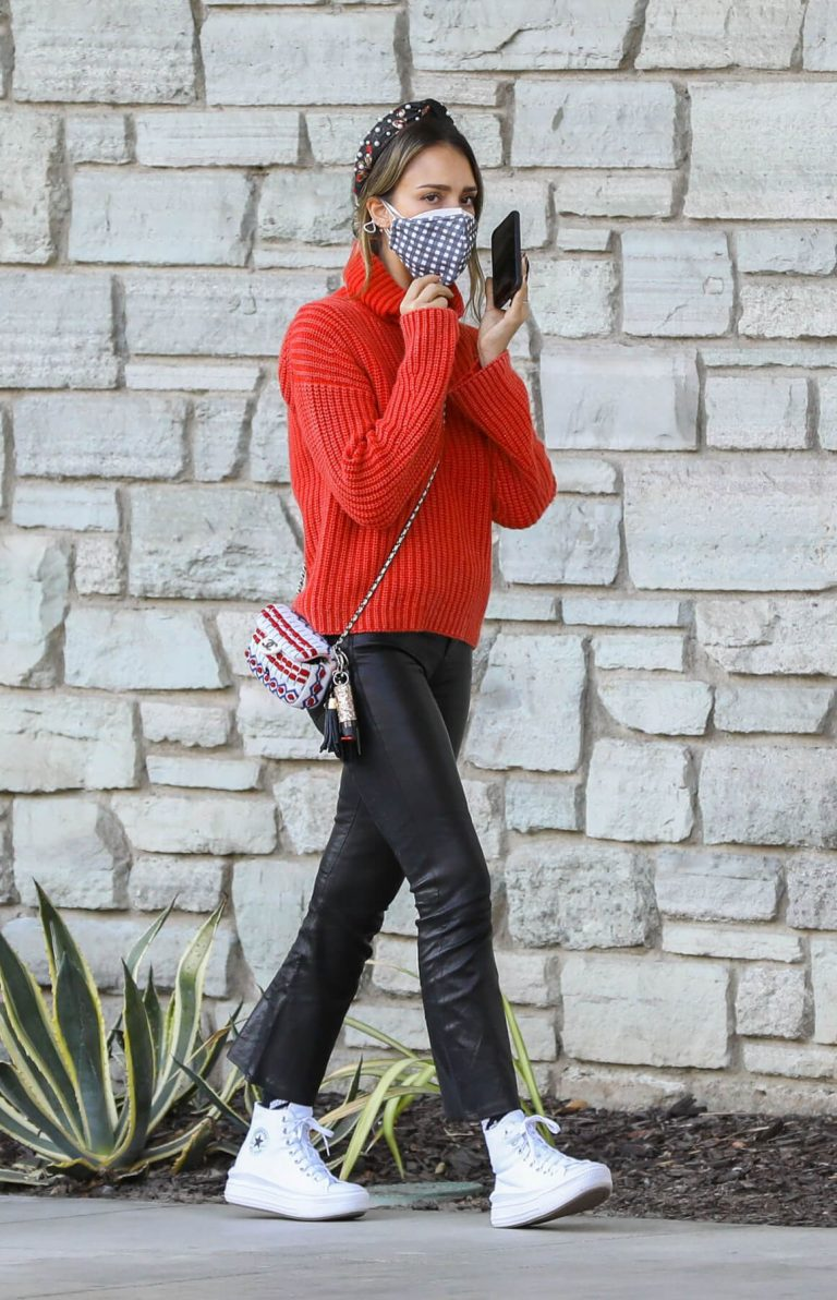 Jessica Alba in Red High Neck Sweater Out for Christmas Shopping at Target in Hollywood 12/04/2020 15
