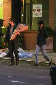 Katie Holmes and Emilio Vitolo Jr Out Shopping Flowers in New York 11/25/2020 5