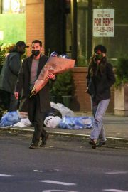 Katie Holmes and Emilio Vitolo Jr Out Shopping Flowers in New York 11/25/2020 6