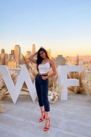 Kira Kosarin flashes her abs in Beautiful Outfit Photos 12/04/2020 4