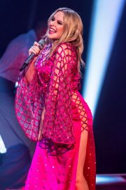 Kylie Minogue Performs at Jonathon Ross Show in London 12/03/2020 2