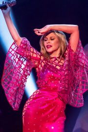 Kylie Minogue Performs at Jonathon Ross Show in London 12/03/2020 7
