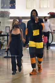 Larsa Pippen with NBA Star Malik Beasley Out at a Mall in Miami 11/23/2020 2