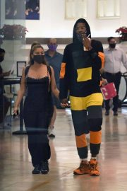 Larsa Pippen with NBA Star Malik Beasley Out at a Mall in Miami 11/23/2020 4