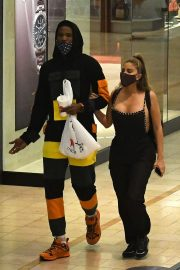 Larsa Pippen with NBA Star Malik Beasley Out at a Mall in Miami 11/23/2020 5