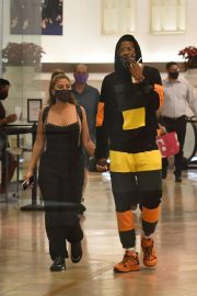Larsa Pippen with NBA Star Malik Beasley Out at a Mall in Miami 11/23/2020 6