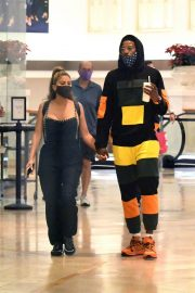 Larsa Pippen with NBA Star Malik Beasley Out at a Mall in Miami 11/23/2020 8