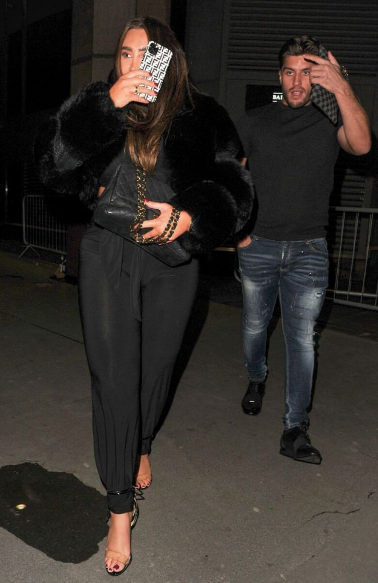 Lauren Goodger with her friend Night Out in London 12/04/2020 1
