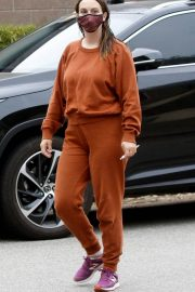 Leighton Meester in Reddish Brown Outfit Out at a Park in Los Angeles 11/23/2020 2