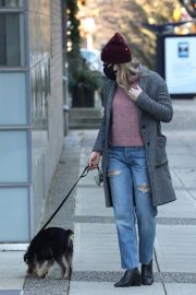 Lili Reinhart Out with Her Dog in Vancouver 12/05/2020 4