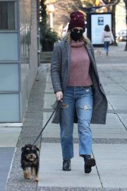 Lili Reinhart Out with Her Dog in Vancouver 12/05/2020 6