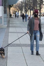 Lili Reinhart Out with Her Dog in Vancouver 12/05/2020 10