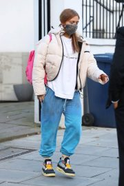 Maisie Smith Arrives at Strictly Come Dancing Rehearsals in London 11/26/2020 8