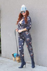 Phoebe Price Out with Her Dog Henry in Hollywood 11/24/2020 1