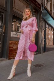 Pregnant Ashley James in Light Pink Outfit - Instagram Photos 10/28/2020 2