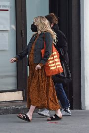 Pregnant Emma Roberts Out for Furniture Shopping in Los Angeles 11/24/2020 1