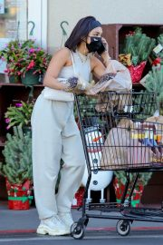 Vanessa Hudgens and GG Magree Out Shopping in Los Angeles 12/04/2020 3