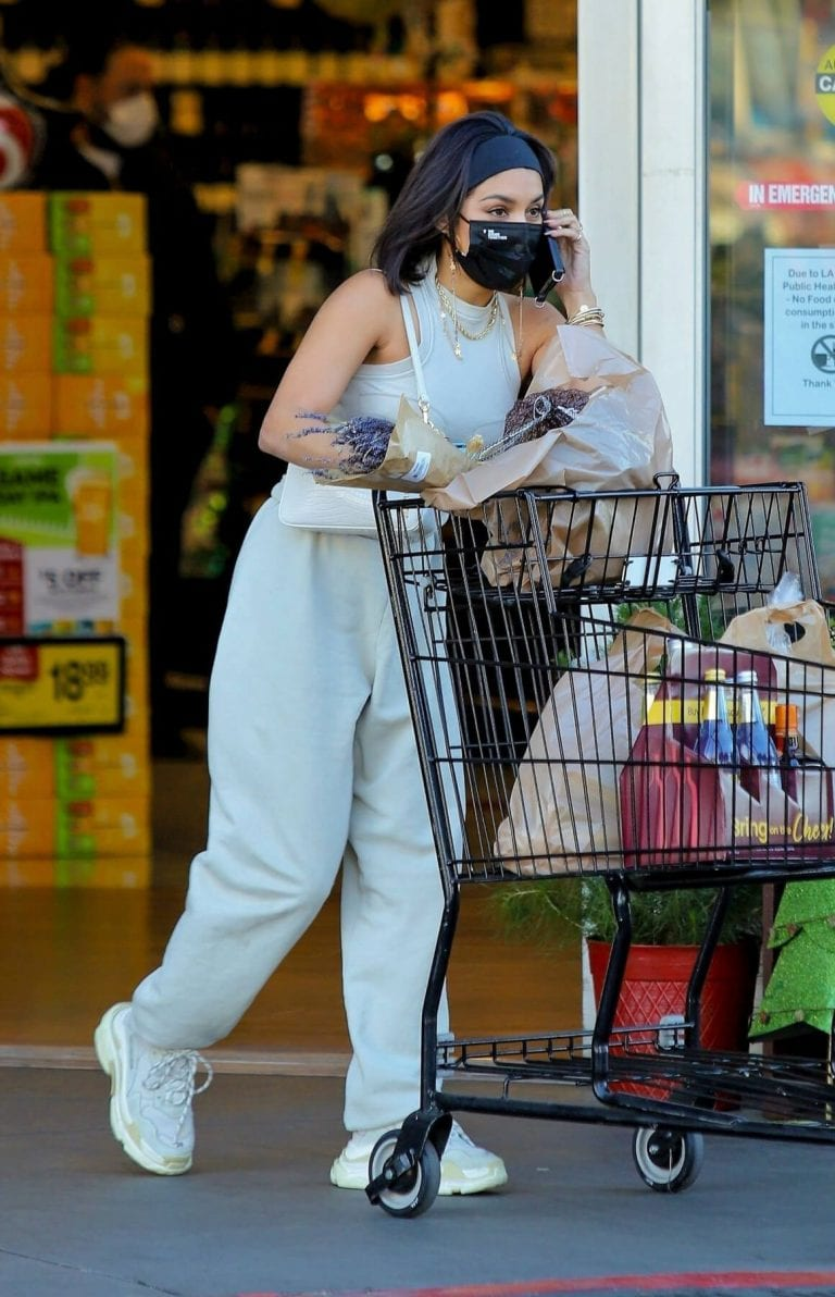 Vanessa Hudgens and GG Magree Out Shopping in Los Angeles 12/04/2020 7