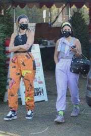 Vanessa Hudgens and GG Magree Shopping for a Christmas Tree in Los Angeles 12/05/2020 1