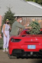 Vanessa Hudgens and GG Magree Shopping for a Christmas Tree in Los Angeles 12/05/2020 8