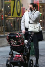 Alena Seredova walks with Her Baby Out in Turin 02/05/2021 1