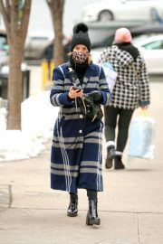 Dianna Agron Wearing in Extra Over Coat with Printed Mask Out in New York 02/10/2021 3
