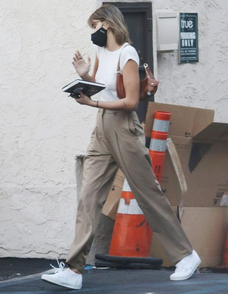Kaia Jordan Gerber Leaves a Hair Salon in a White Top and Pants Out in Studio City 02/11/2021 1