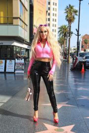 Marcela Iglesias in a Pink and Black Outfit Out and About in Hollywood 02/10/2021 6