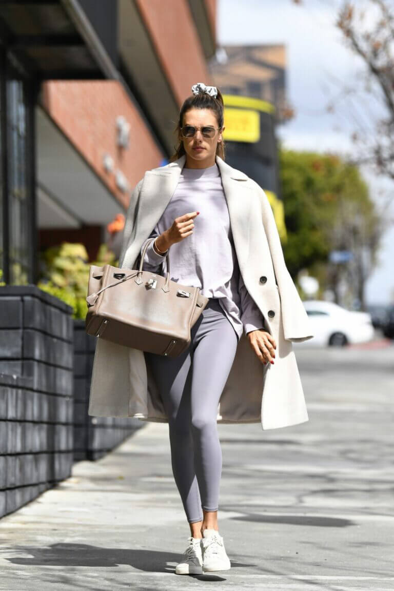 Alessandra Ambrosio Steps Out for a Pilates Class in Los Angeles 03/10/2021 6
