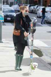 Amy Adams wears Mask for Safety as She is Out with Her Dogs in Los Angeles 03/10/2021 6