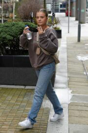 Anna Maynard Cool Look in Sweatshirt and Blue Denim as She Leaves Saturday Mash Up in Salford 03/13/2021 1
