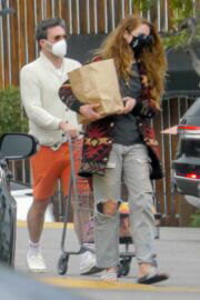 Anna Osceola with Boyfriend Jon Hamm in Casual Look Out for Shopping at Gelson's in Los Feliz 03/12/2021 1