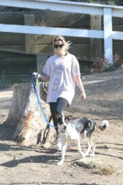 Ava Elizabeth Phillippe Steps Out Hiking with Her Dog in Brentwood 03/19/2021 5