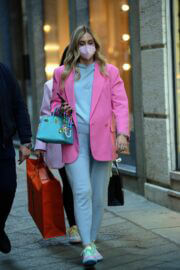 Chiara Ferragni in a Pink Blazer Out for Shopping in Milan 03/12/2021 7