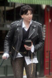 Daisy Lowe Day Out with Her Dog in Primrose Hill 03/25/2021 5